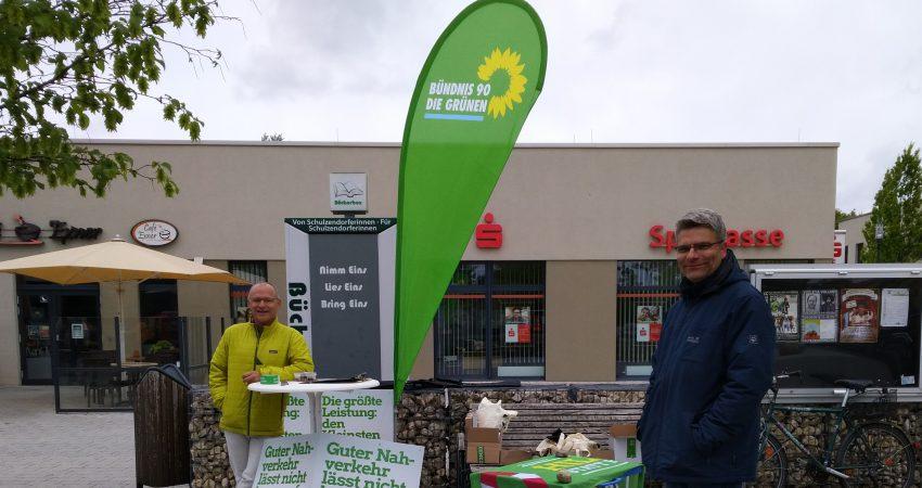Die Schulzendorfer Grünen zeigen Flagge und sind seit Jahren immer wieder vor Ort ansprechbar.